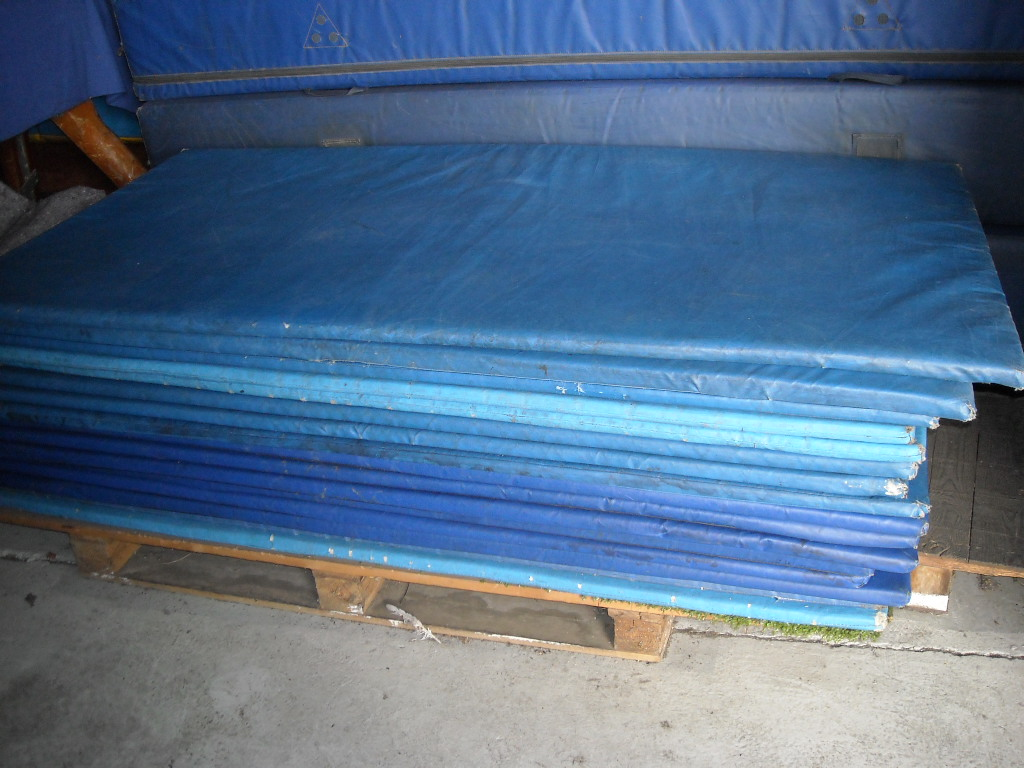 1 Thick Rubber Gym Flooring
