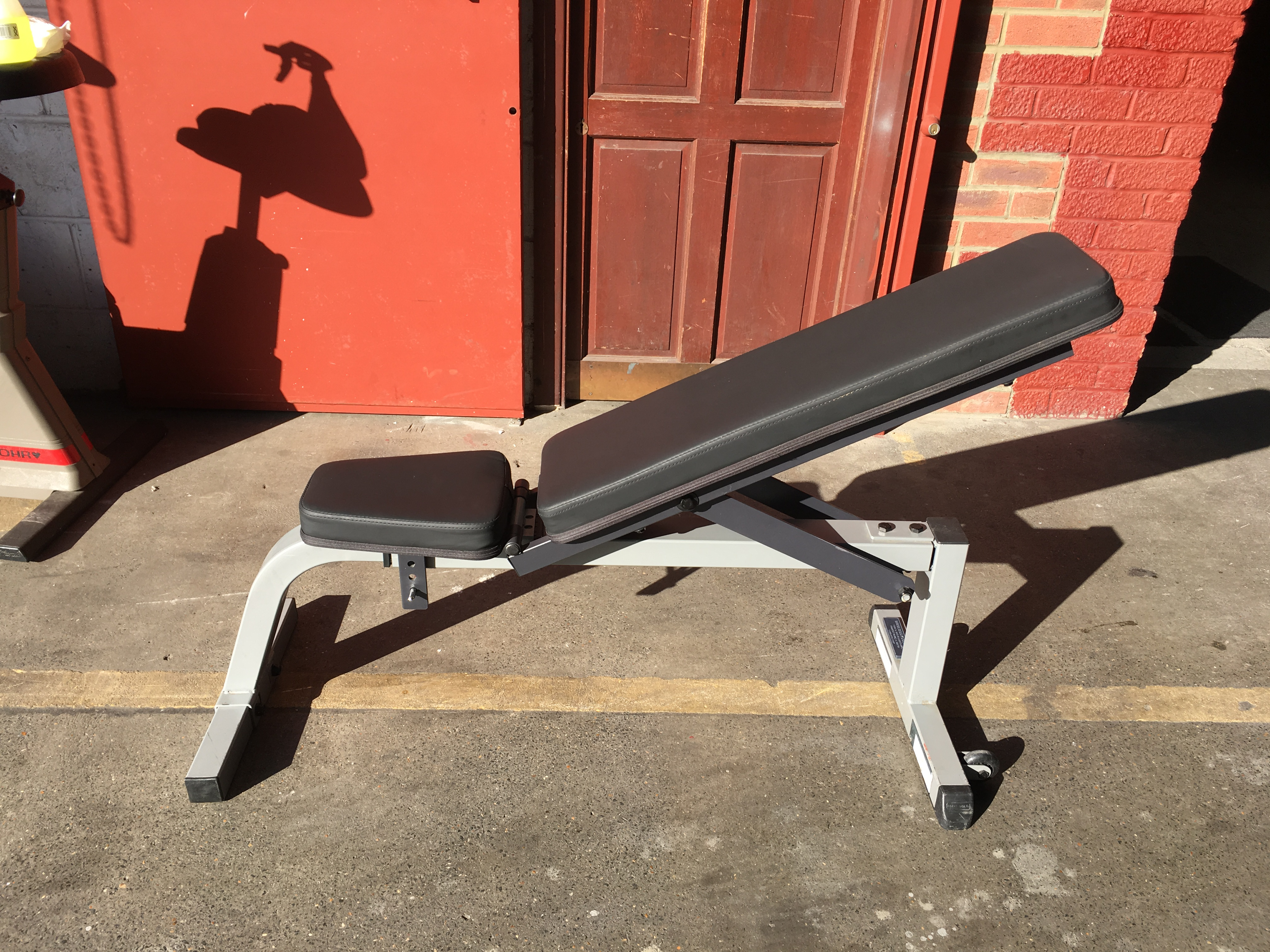 Fixed Leg Adjustable Weight Bench
